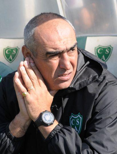 Iván Delfino, DT de Sarmiento.
