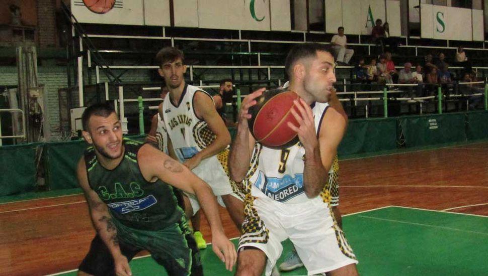 Agustín Lombardi ante Facundo Abdala.
