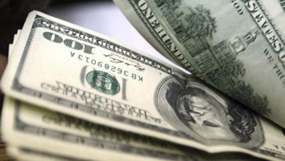 Flexibilizan el cepo al dólar para que inviertan en el país