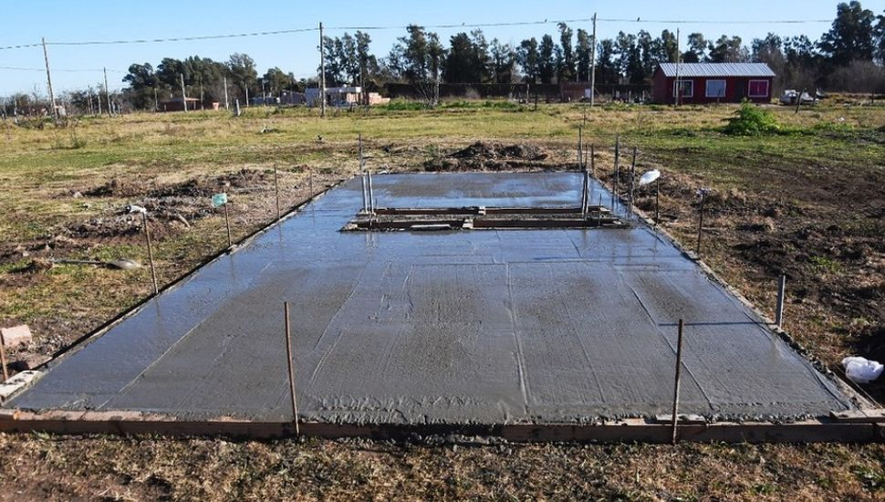Plan Semilla: comenzaron a construir la primera vivienda