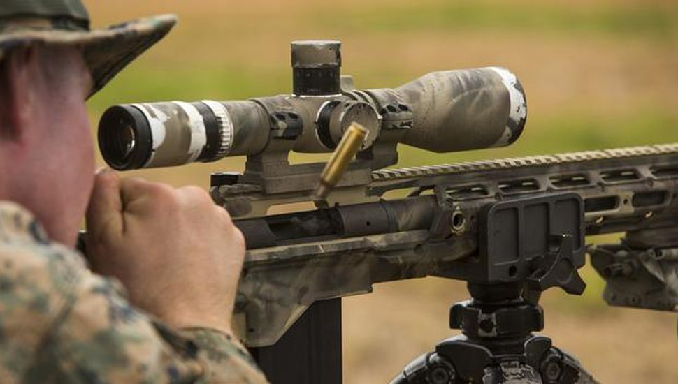 Tiro perfecto de un francotirador: mató a un jefe terrorista de Isis