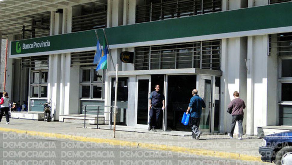 Trabajadores del Banco Provincia siguen de paro 24 horas más