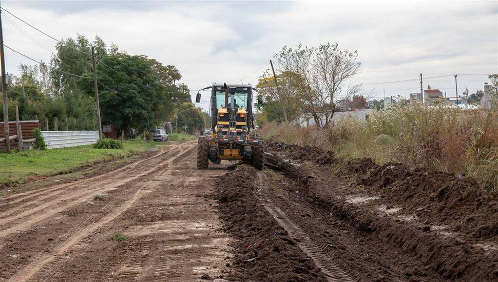 Limpieza y mantenimiento de calles en el barrio Mayor López