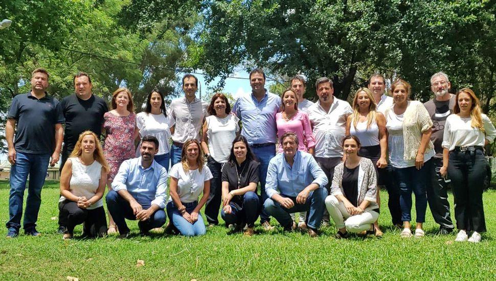 Participantes de la reunión Seccional del PRO-Juntos por el Cambio, entre ellos Daiana García Farotto(abajo, al centro).