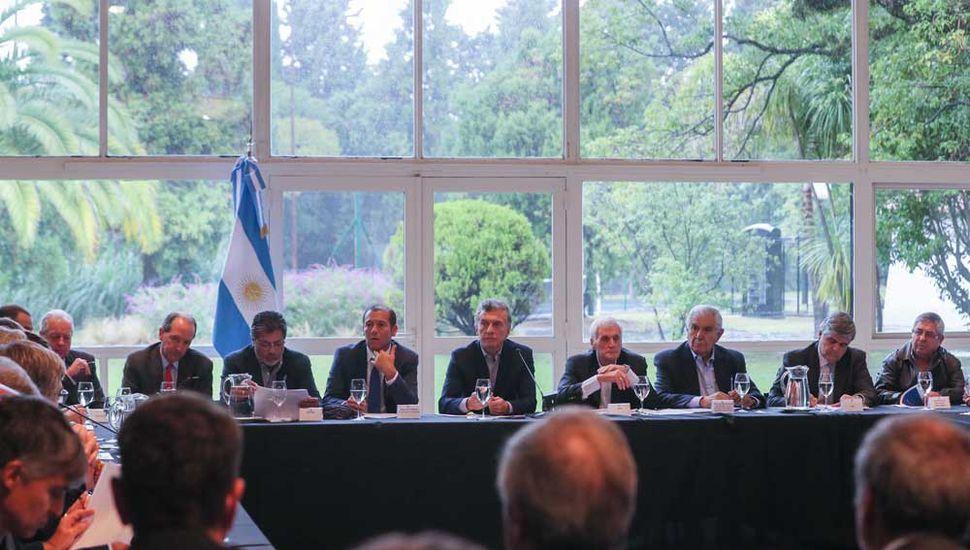 Macri intentó transmitir calma a sus ministros ante la crisis