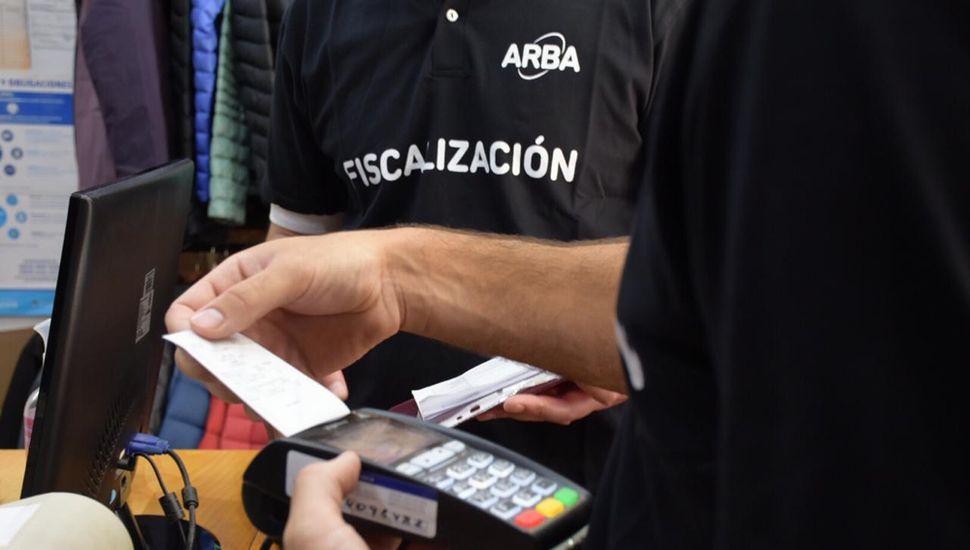 En los últimos seis meses, 40.000 comercios instalaron dispositivos de pago electrónico.