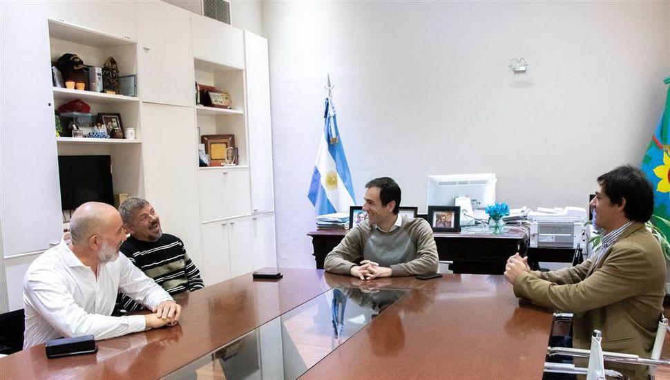 Petrecca recibió a la Comisión Directiva de Sarmiento