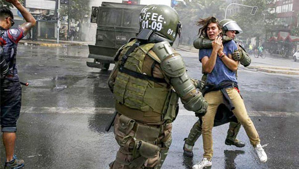 Amnistía denuncia violaciones de los Derechos Humanos en Chile