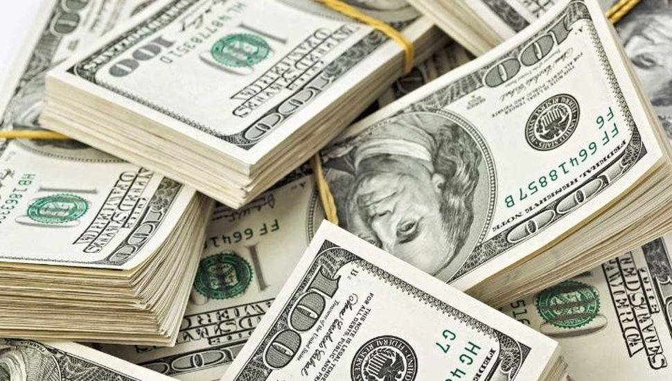 El día después de las PASO, el dólar se disparó más de $ 10 y llegó a $ 57,30
