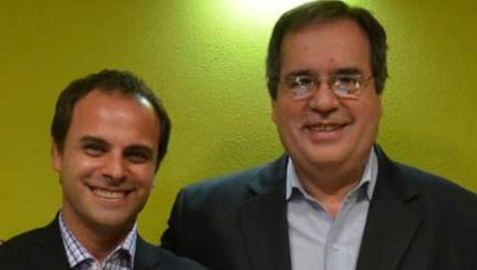 Fernando Rodríguez (derecha), presidente del bloque de concejales del Frente de Todos y congresal de la Bancaria, junto al intendente Jorge