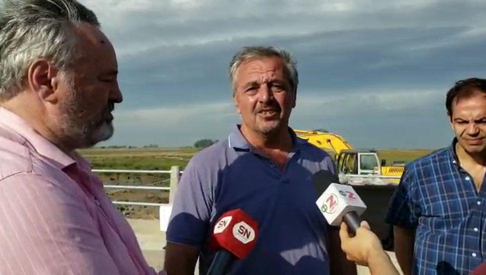 Con la presencia de Joaquín de la Torre, inauguraron el puente sobre el arroyo Saladillo de la Vuelta