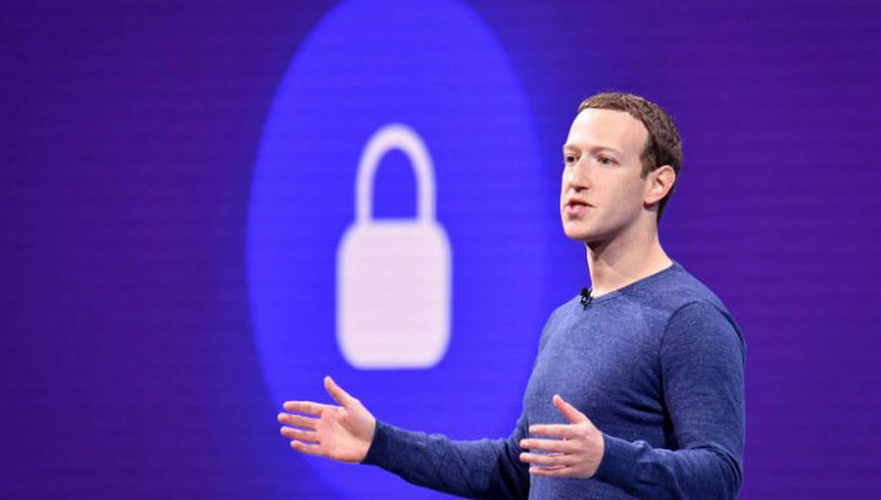 """Menos """"pública"""" y más """"enfocada en la privacidad"""", el futuro de Facebook según Mark Zuckerberg"""