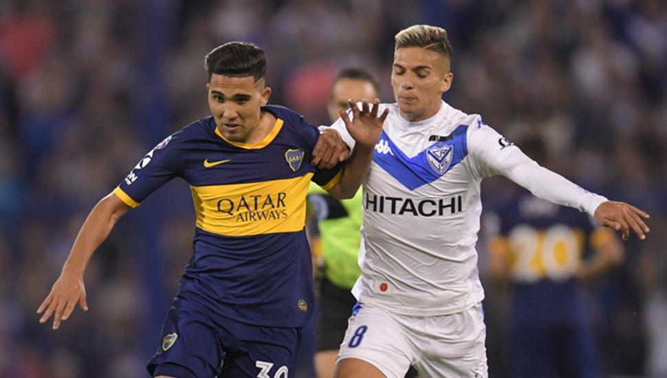 Emanuel Reynoso encabeza un ataque de Boca en el empate sin goles ante Vélez.