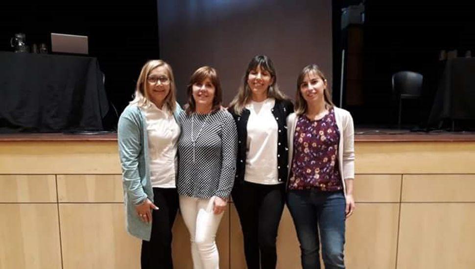 Licenciada en Psicología Silvina D'Alfonso, licenciada en Nutrición Nancy Francione, licenciada en Nutrición Cecilia Dentato y la doctora Mónica Pascuccio, médica clínica.