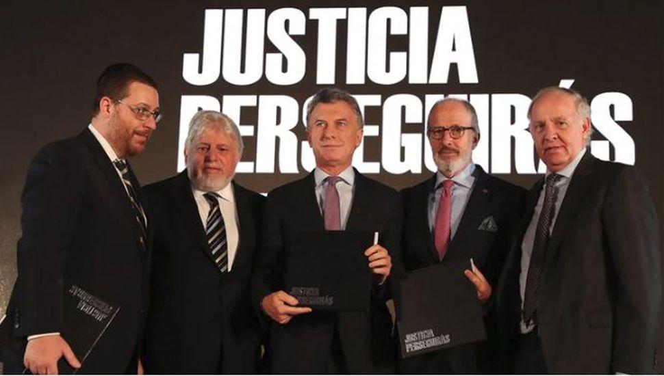 """Amia: """"Los imputados deben ser juzgados en Argentina"""""""