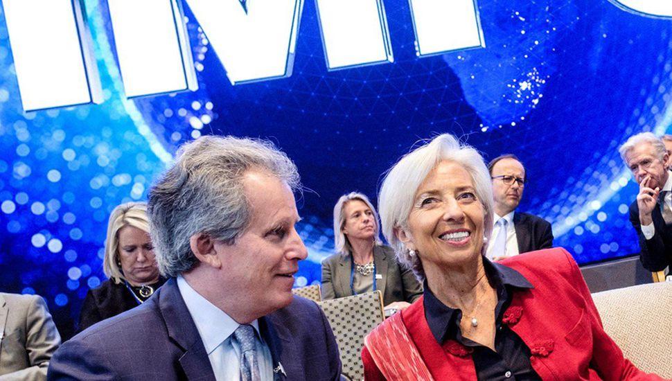 Llegan USD 5.400 millones del FMI, que envió elogios