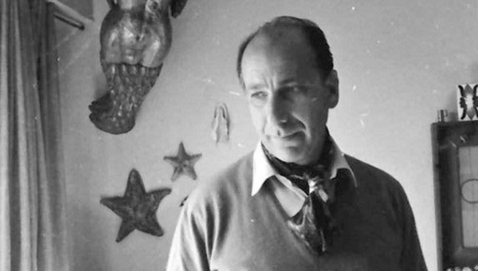 Haroldo Conti nació el 25 de mayo de 1925 en Chacabuco.