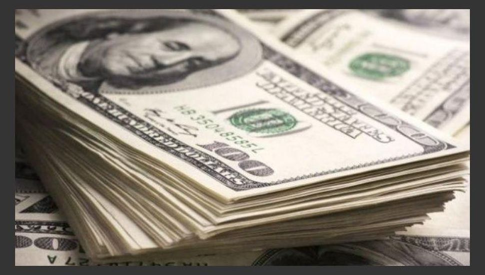 El dólar cerró en $63,26 luego de caer siete centavos