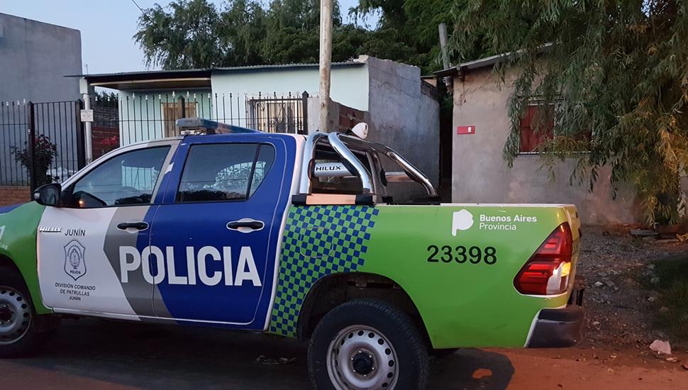 Varios efectivos policiales concurrieron al lugar del hecho.