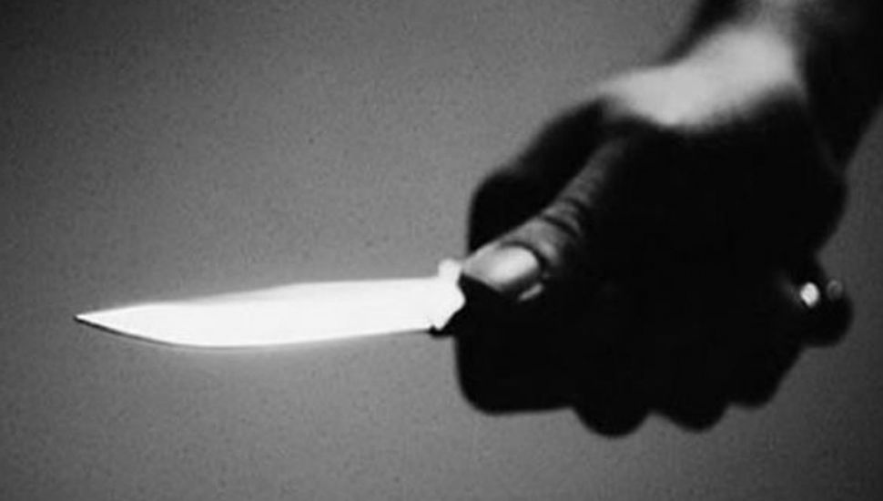 En Junín: intentó matar a su esposa  con un cuchillo y se autolesionó