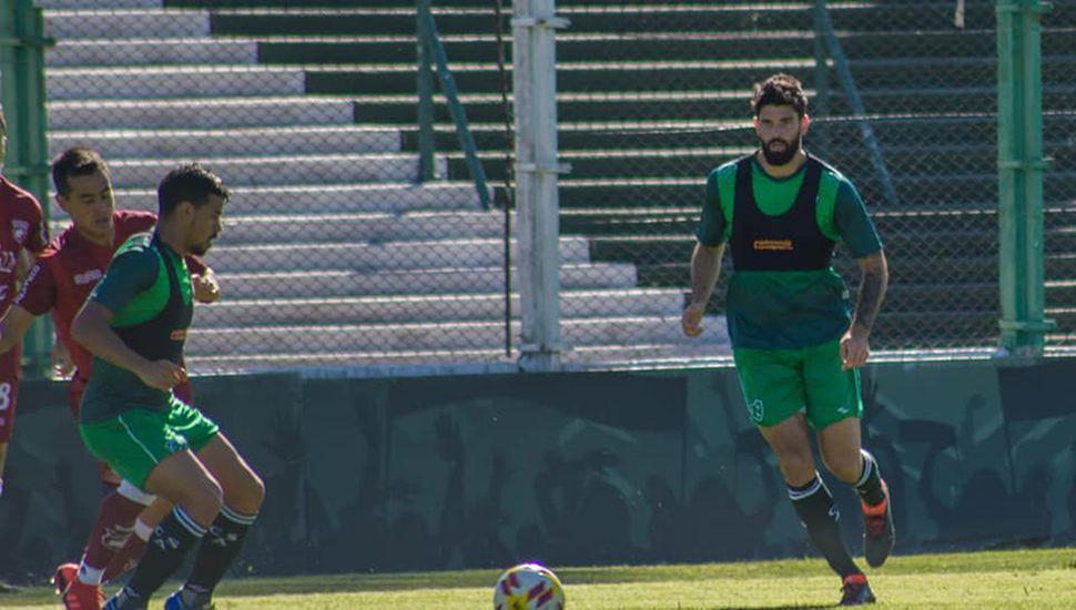 Leonardo Villalba y Nicolás Orsini en el amistoso de ayer.