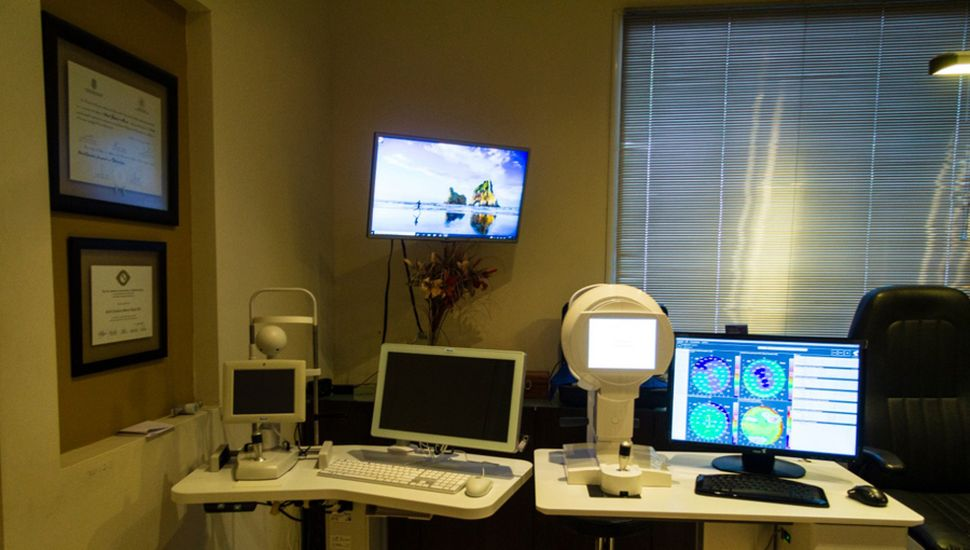 Aparatología de precisión en la clínica Visión Láser.