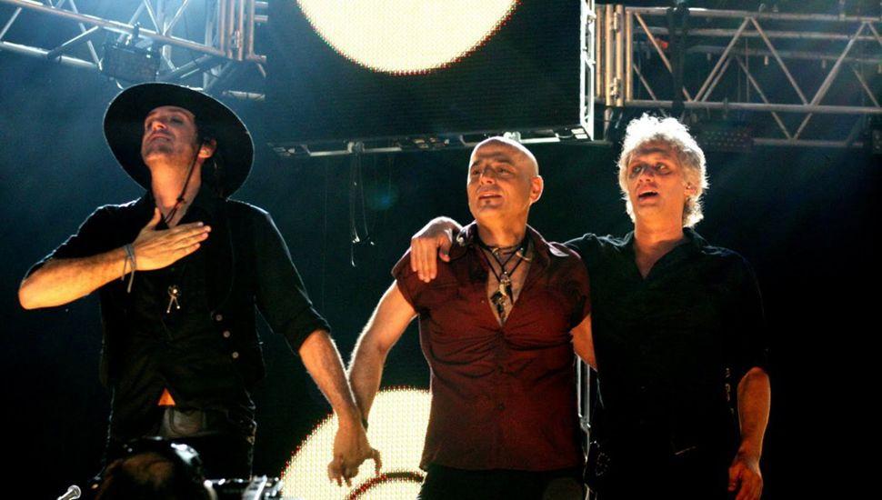 Vuelve Soda Stereo con Chris Martin, Juanes y Dárgelos