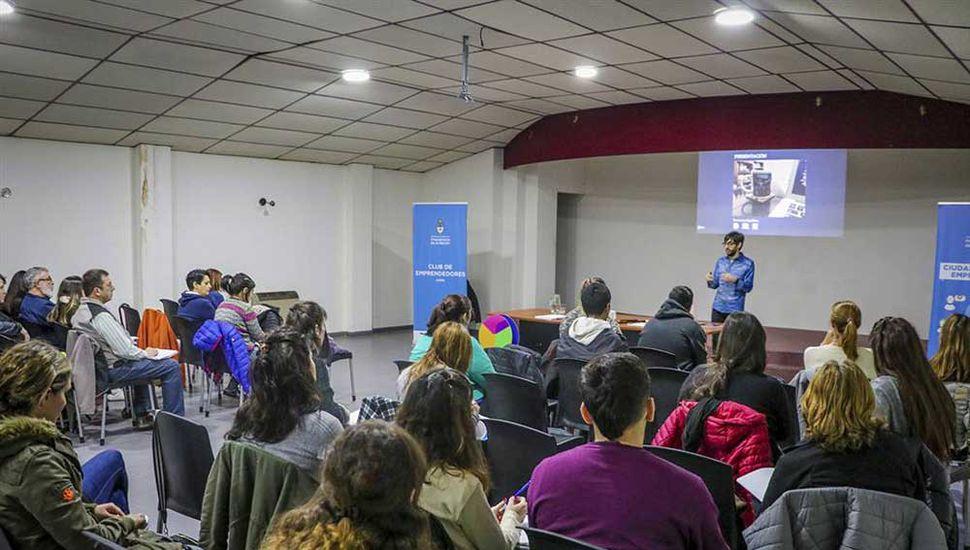 La charla se hizo con el objetivo de incorporar nuevos conocimientos y herramientas.