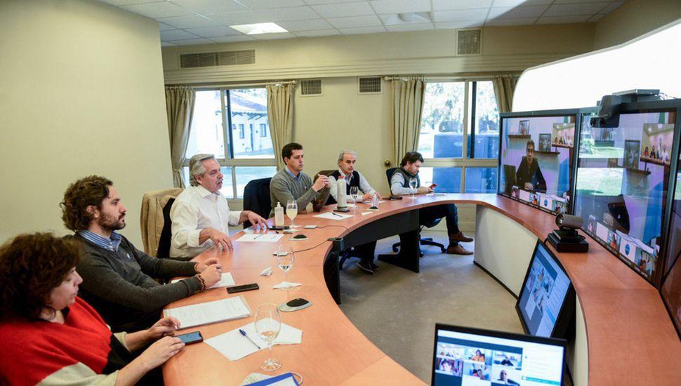 Alberto Fernández consensuó la continuidad del aislamiento a través de una teleconferencia con los gobernadores.