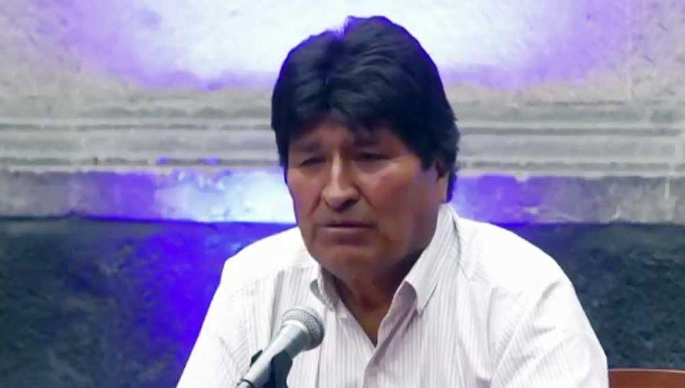 Evo Morales llamó a sus opositores a deponer las armas