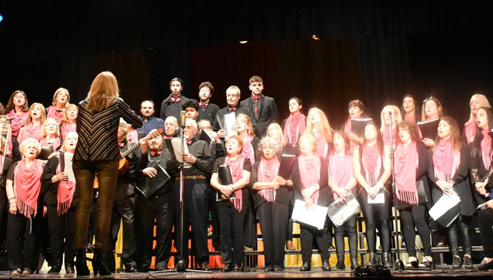 Coro Panambí, dirigido por Susana Perea.