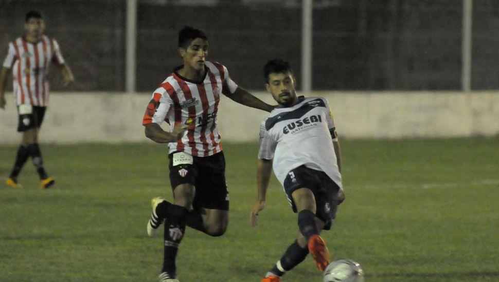 Villa se juega la clasificación ante El Linqueño.