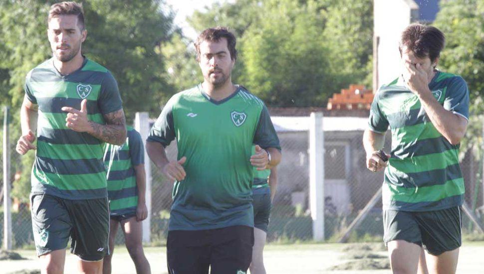 Luis Yamil Garnier (derecha) y David Depetris trabajaron con el kinesiólogo Fernando Pérez.