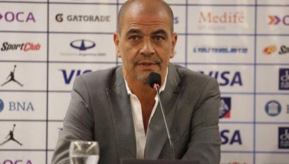 Hernández entregó la primera lista para las eliminatorias