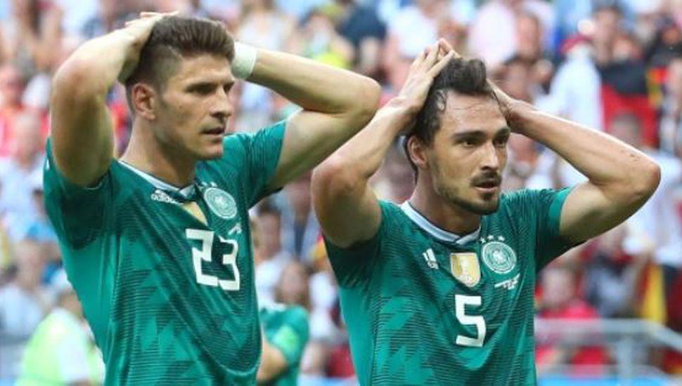 """Cuál es la """"maldición de los campeones"""" que hoy recayó sobre Alemania"""