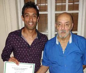 Mauro Bianco con su padre, Héctor, su actual ayudante de campo en Agustina F.C.