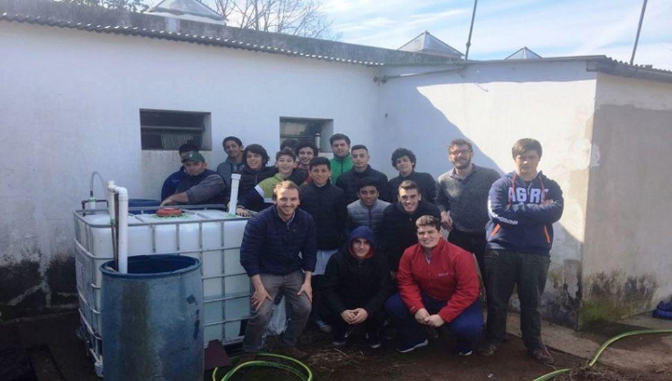 Construyen un biodigestor en el Colegio Agrotécnico de Vedia