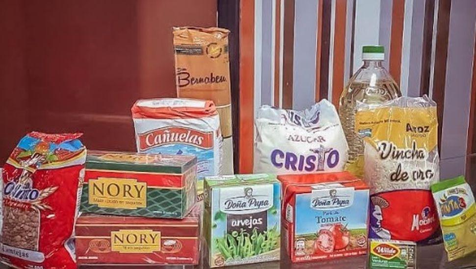 La ACIP dona cien bolsones con mercadería a vecinos toldenses
