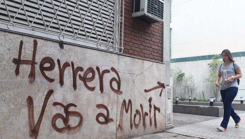 """Amenazaron al """"Chaqueño"""" Herrera  por su gol en el clásico con Newell's"""