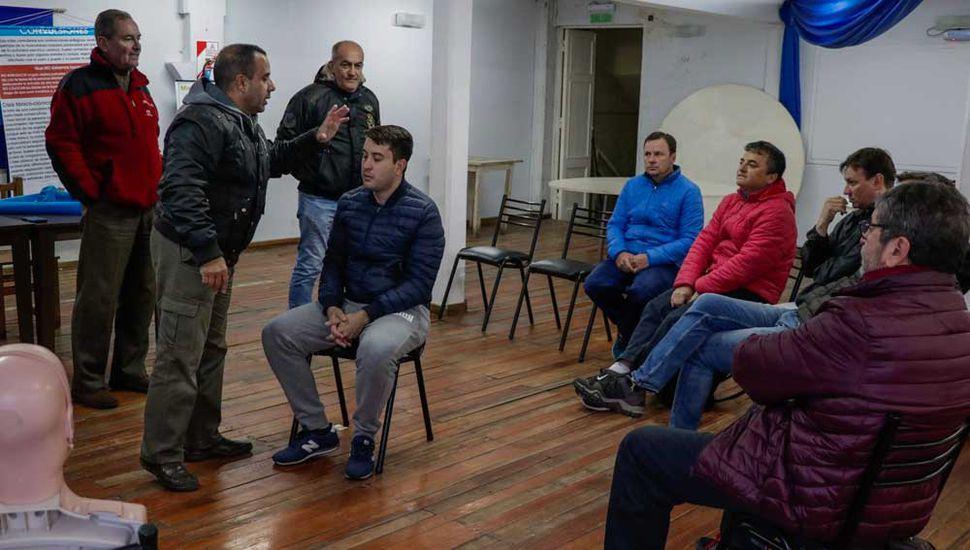 Este sábado 1º en el Club Junín, continuarán las capacitaciones sobre las técnicas de RCP y DEA.
