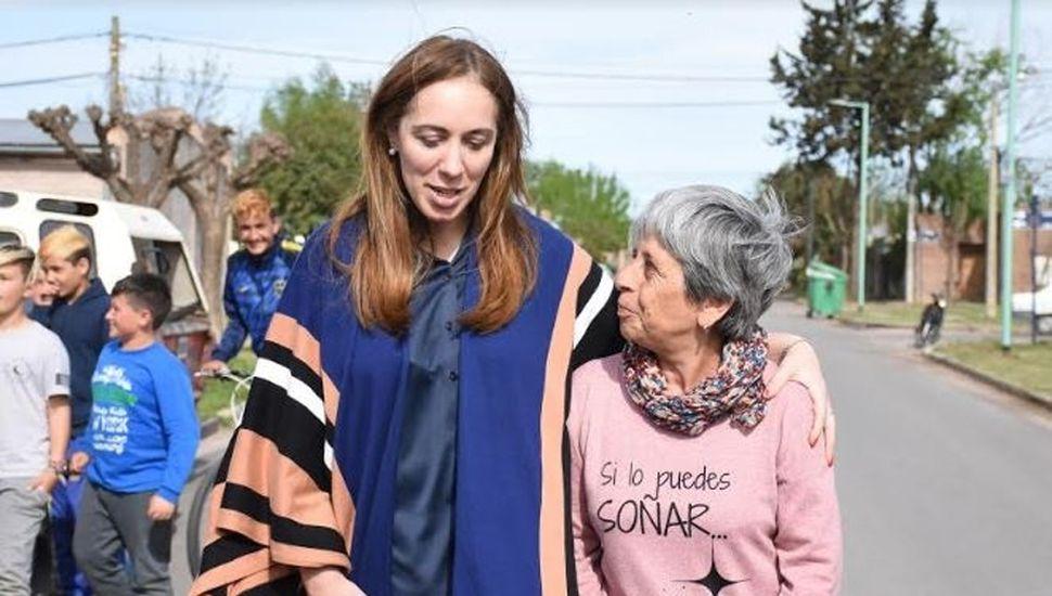 Vidal recorrió la ciudad y dialogó con vecinos.