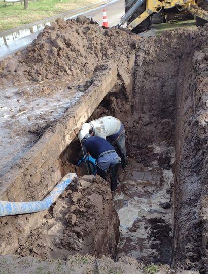 Continúan los trabajos sobre la red de agua en Bragado
