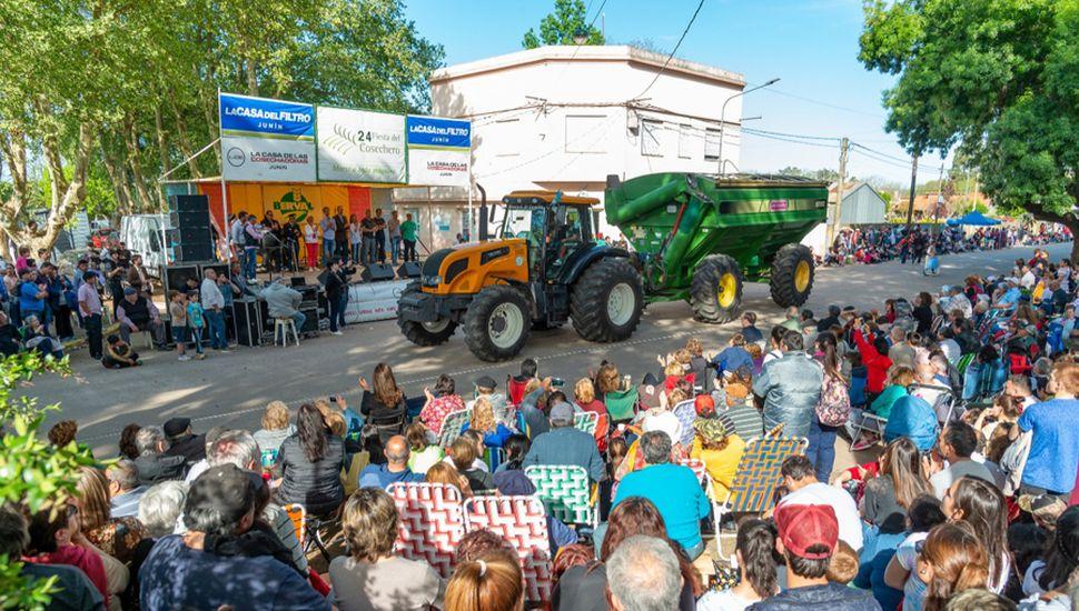 Los vecinos participaron de la vigésimo cuarta Fiesta del Cosechero.