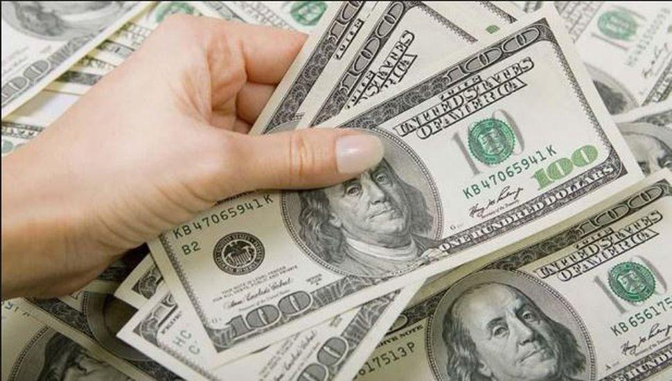 El dólar bajó $0,50 gracias al Banco Central y cerró a $39,50