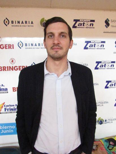 Juan Manuel Varas, técnico de Argentino de Junín.