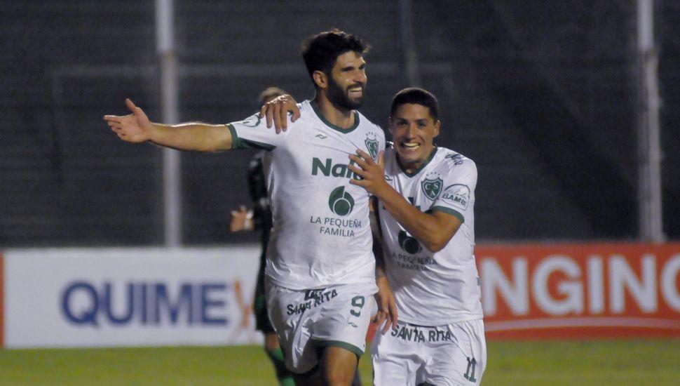 Nicolás Orsini junto a Nicolás Castro, titulares en la última temporada.