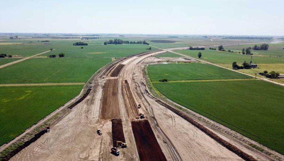 El bypass está comprendido entre los kilómetros 219 y 196 de la Ruta 7, dentro de un campo expropiado.