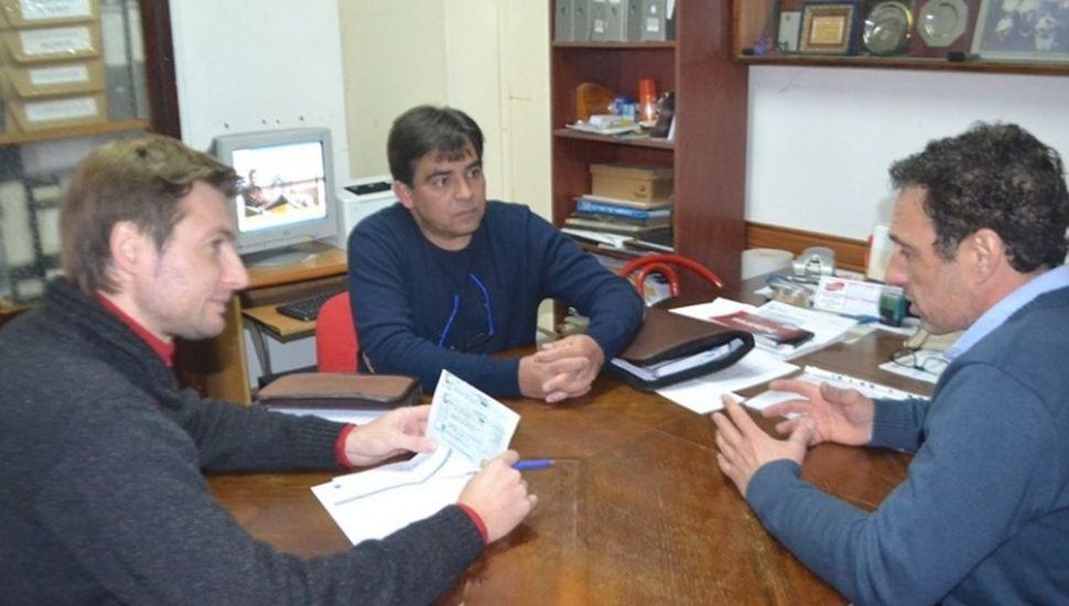 Entregaron subsidio a los bomberos voluntarios de Vedia