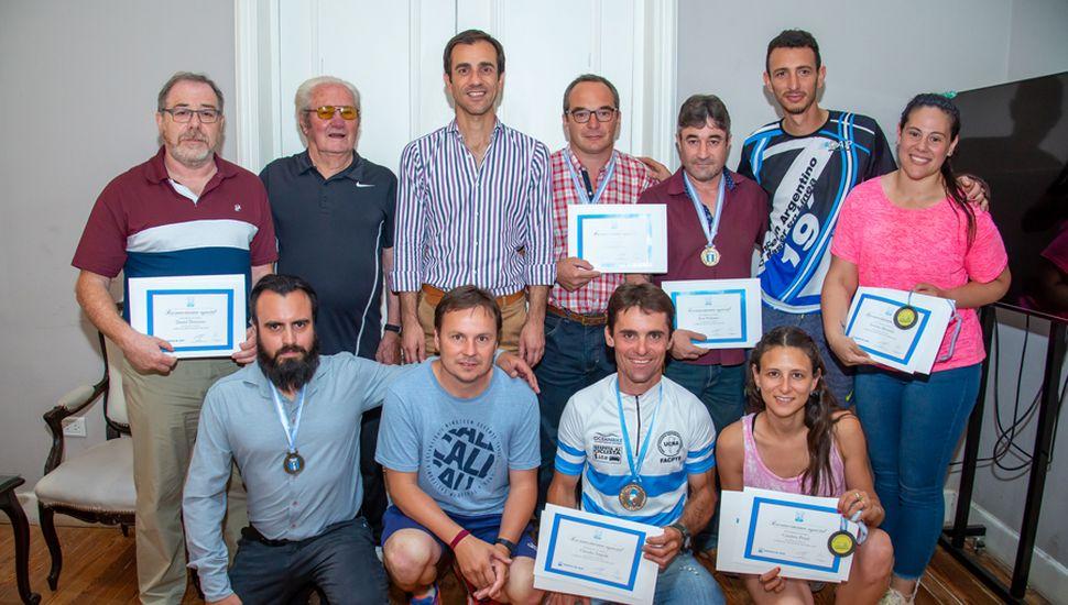 Los deportistas fueron reconocidos por el Municipio.