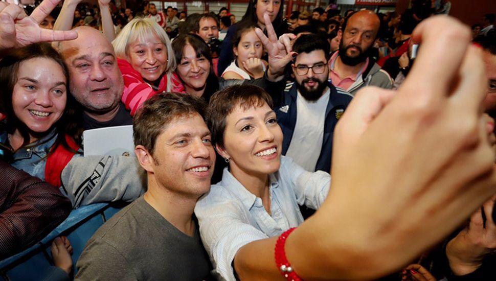 Axel Kicillof sigue con su campaña tendiente a consolidar y si es posible ampliar la diferencia de votos con María Eugenia Vidal.